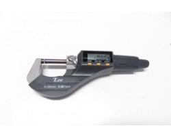 Цифровой микрометр в пластиковом корпусе — DL-M030