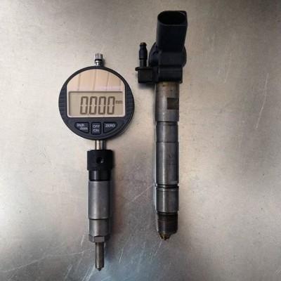 DL-CR50169. Адаптер для измерения хода клапана пьезофорсунок Bosch  Адаптер для измерения хода клапана форсунок Bosch пьезо Подходит для пьезо форсунок: 0445115  Комплект поставки:  DL-CR31201 - Адаптер  DL-CR31206 - Щуп измерительный  В комплект поставки измерительная головка не входит  #dieselbel #dieselland #dieseltest #Boschpiezo #boschpiezo #piezobosch