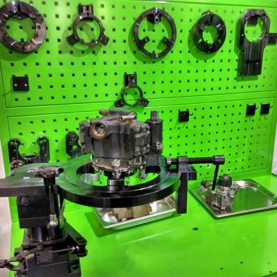 DL-ST03. Универсальный стапель для насосов CR Стапель Common Rail насосов даёт возможность закрепить любой CR насос или распределительный ТНВД во всех плоскостях необходимых для работы.  Стапель  используется для разборки и сборки различных типов и моделей дизельных ТНВД и насосов системы Common Rail, таких как:  Bosch Common Rail CP-1S, CP-1K, CP-1H, CP-2, CP-3.2, CP-3.3, CP-3.4, CP-4.1, CP-4.2. Denso Common Rail HP-0, HP-2, HP-3, HP-4. Delphi Common Rail DFP-1, DFP-3. Siemens Common Rail CONTINENTAL (VDO). Cummins Common Rail и CUMMINS системы CAPS. Denso V-3, V-3 ROM, V-4, V-5, V-5 Pilot Pumps. Bosch, Denso, Zexel, Doowon, MICO-VE Bosch, Zexel -VP 30, VP 44. Delphi, Lucas DPA, DPC, DPCN, DPS, EPIC, DP 210, DP 310.  #dieselbel #dieselland #dieseltest #dieselclub #commonrail #стапельтнвд