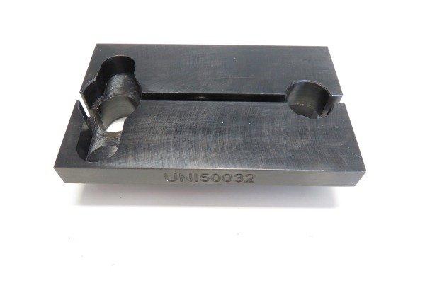 Универсальное приспособление для зажима в тисках форсунок CR Denso